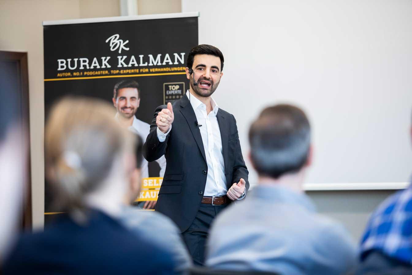 burak-kalman-karrie-coach-führungskraft-gehalt-verhandlung